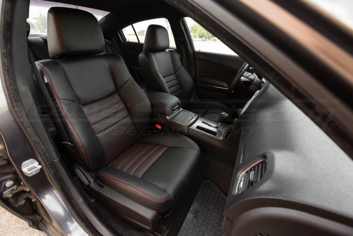 Dodge Charger Black w/ Piazza Red - Front Passenger seats