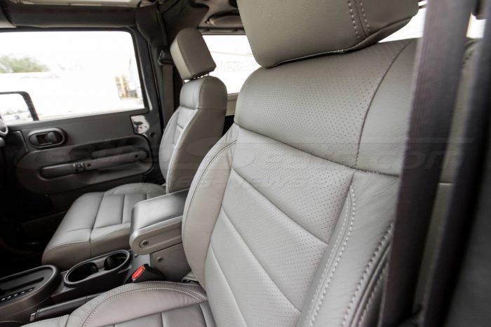 Jeep Wrangler Leather Seats - Light Grey - Driver seat backrest perforation