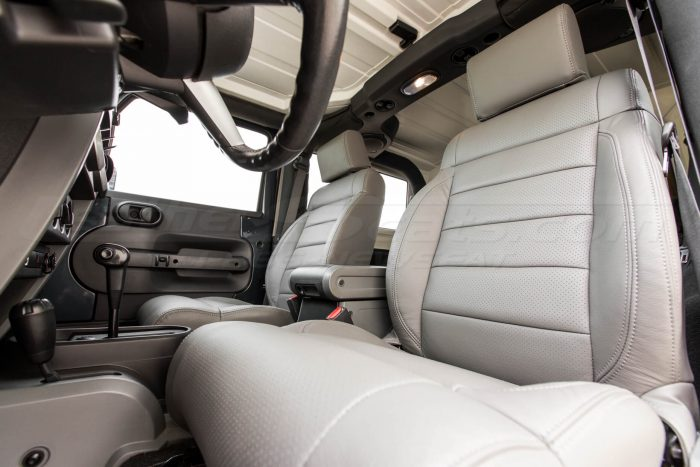 Jeep Wrangler Leather Seats - Light Grey - Front seat alternative view