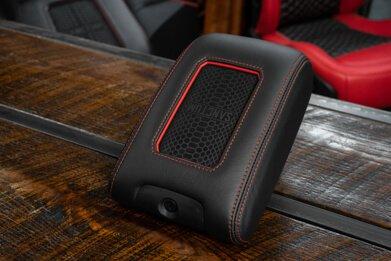 Sanctum Jeep Wrangler wireless charging - Featured Image