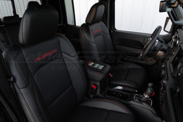 Custom Jeep interior with Sanctum Wireless Phone Charging Console