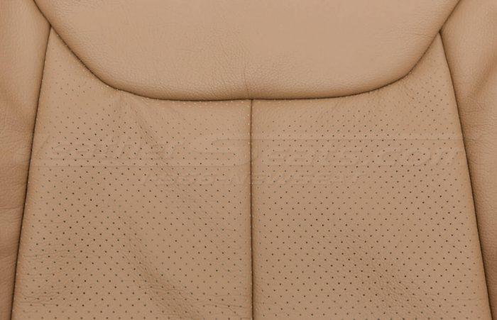 Jeep Wrangler leather kit - Black/Teak - Backrest perforation close-up