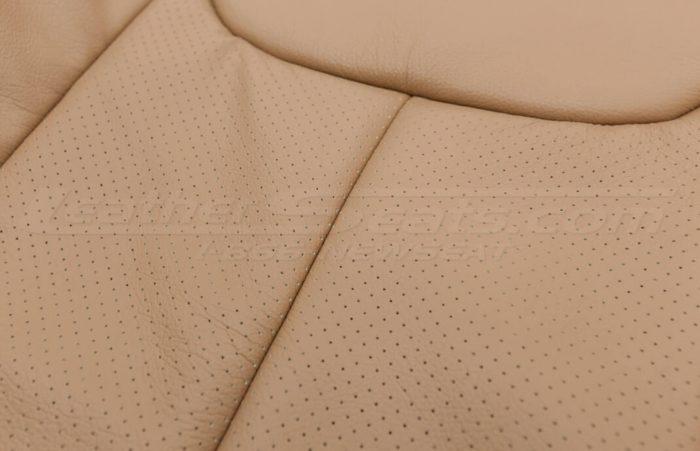 Jeep Wrangler leather kit - Black/Teak - Perforated insert close-up