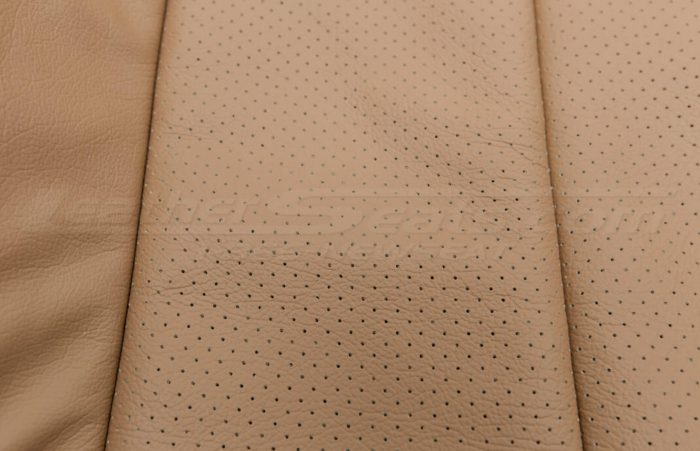 Jeep Wrangler leather kit - Black/Teak - Perforation extreme close-up