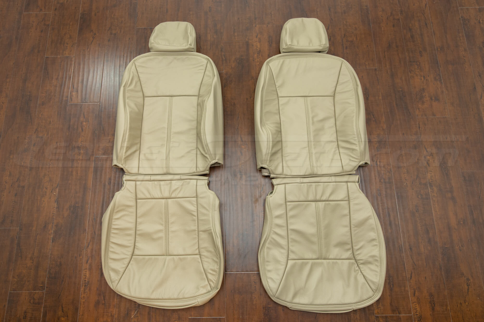 Chevrolet Impala Leather upholstery kit sandstone - fronts