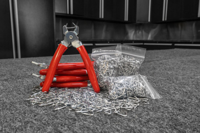 Featured image of our basic install kit including hog-ring pliers and a bag of hog-rings
